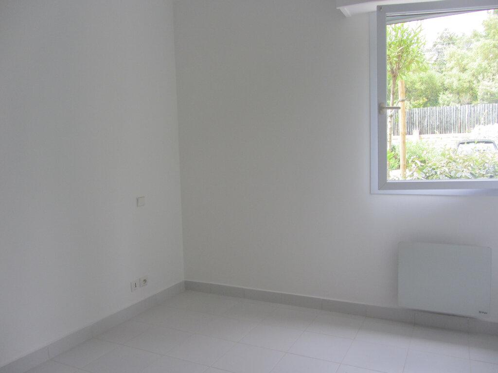 Appartement à vendre 3 53m2 à Saint-Raphaël vignette-9
