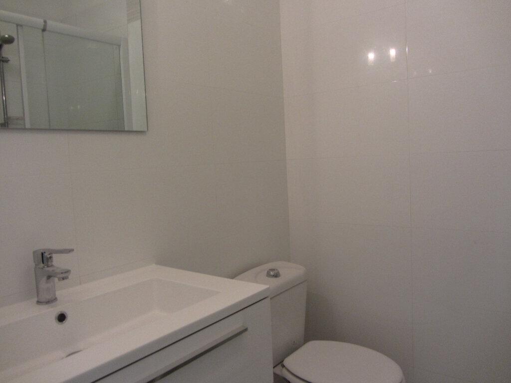 Appartement à vendre 3 53m2 à Saint-Raphaël vignette-12