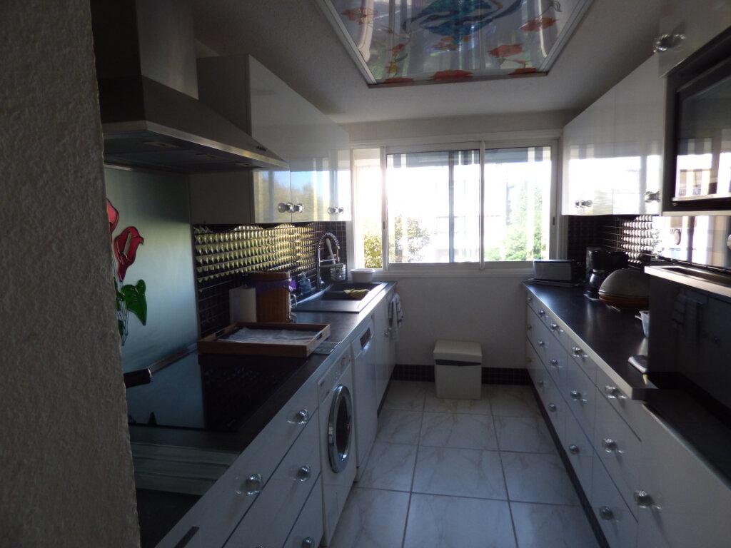 Appartement à vendre 3 74m2 à Fréjus vignette-3