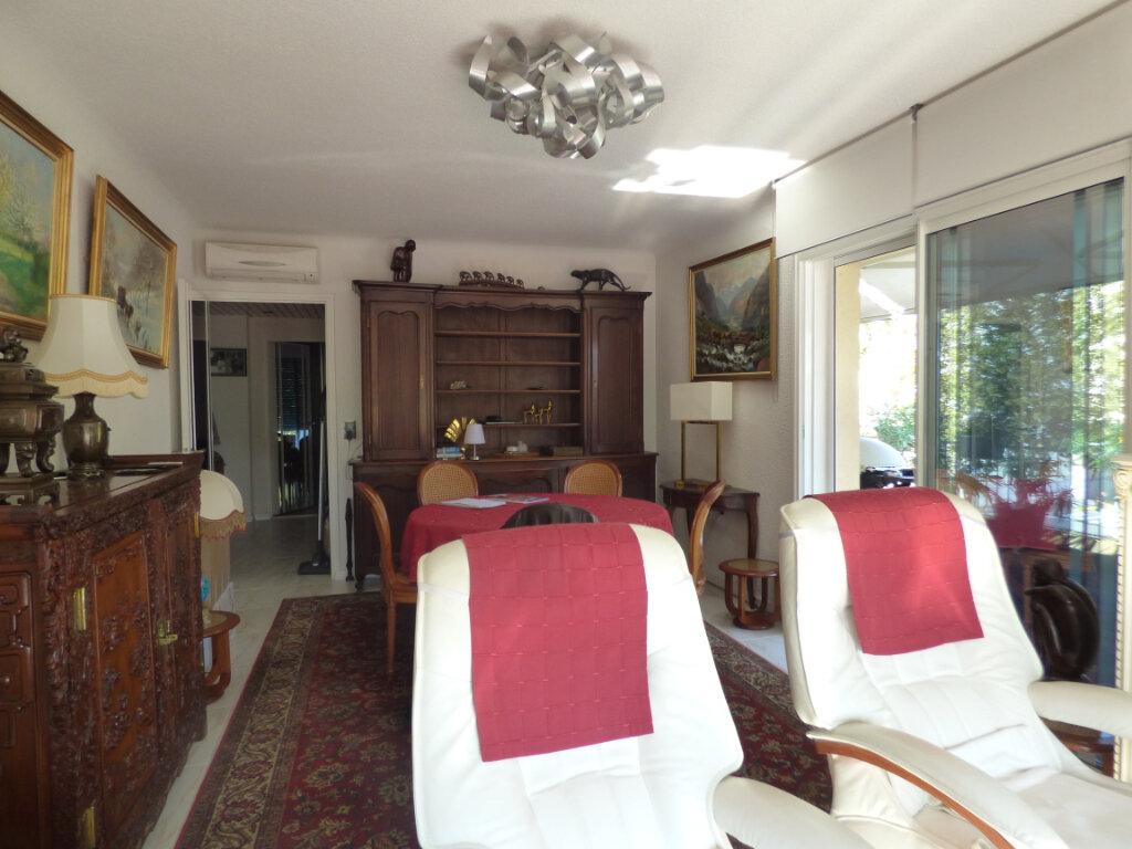 Appartement à vendre 3 74m2 à Fréjus vignette-4