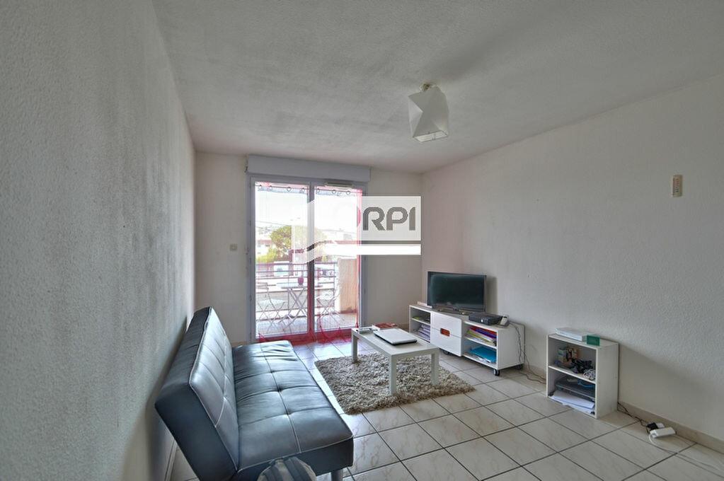 Appartement à louer 2 39m2 à Agen vignette-1