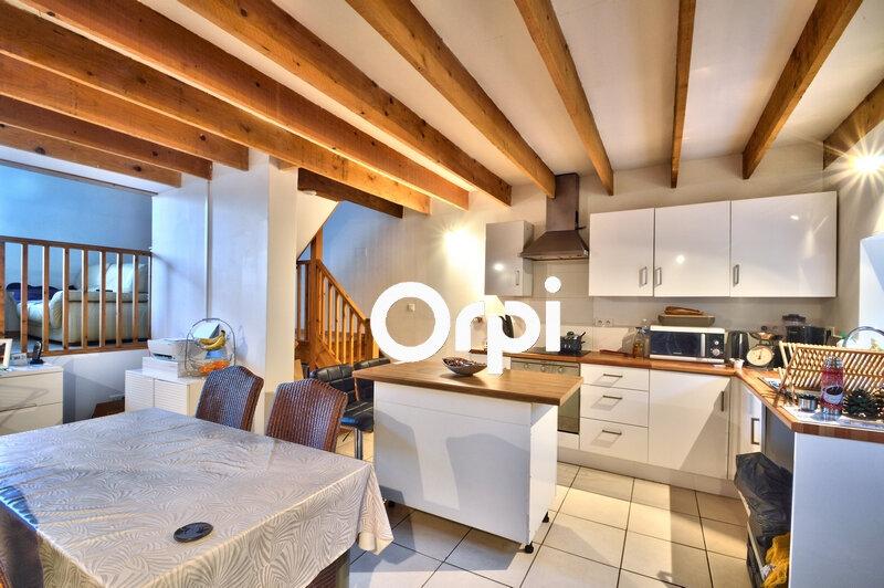 Maison à louer 5 75m2 à Saint-Hilaire-de-Lusignan vignette-2