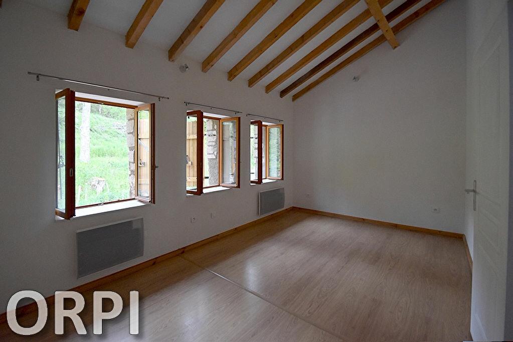 Maison à louer 5 75m2 à Saint-Hilaire-de-Lusignan vignette-10