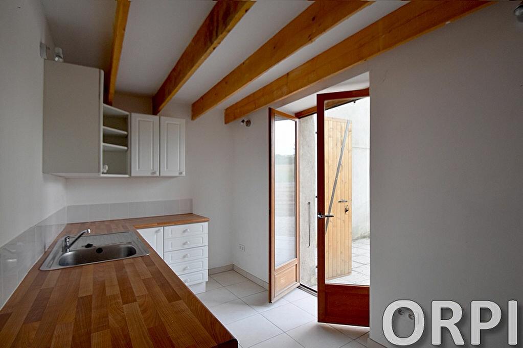 Maison à louer 5 75m2 à Saint-Hilaire-de-Lusignan vignette-15