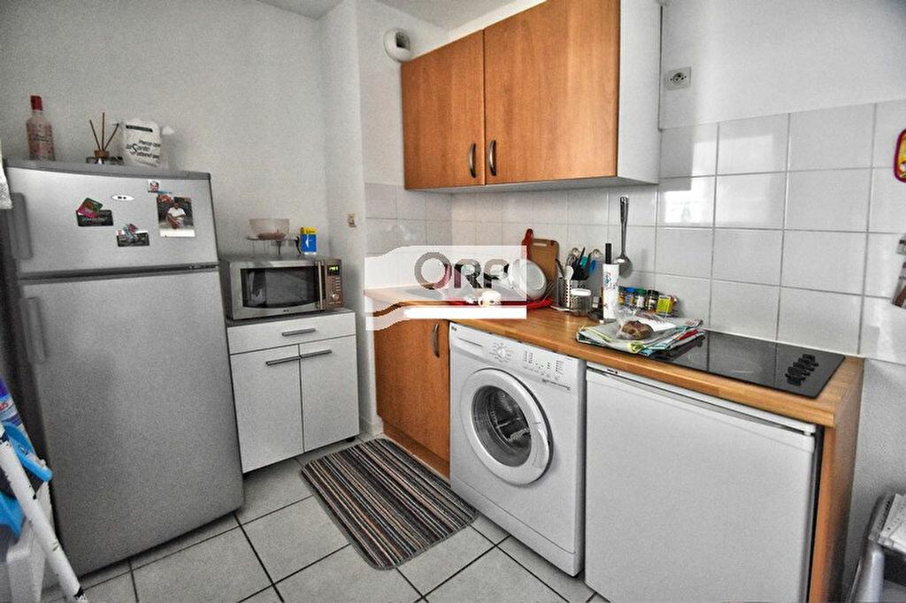 Appartement à louer 2 38.09m2 à Agen vignette-2