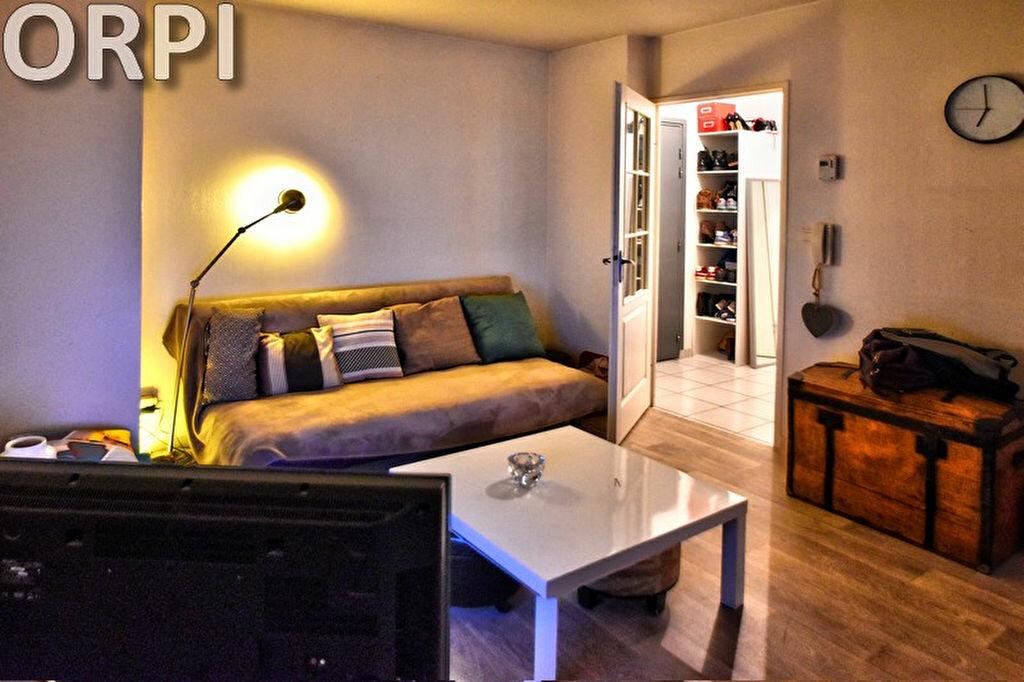 Appartement à louer 2 42.03m2 à Agen vignette-1