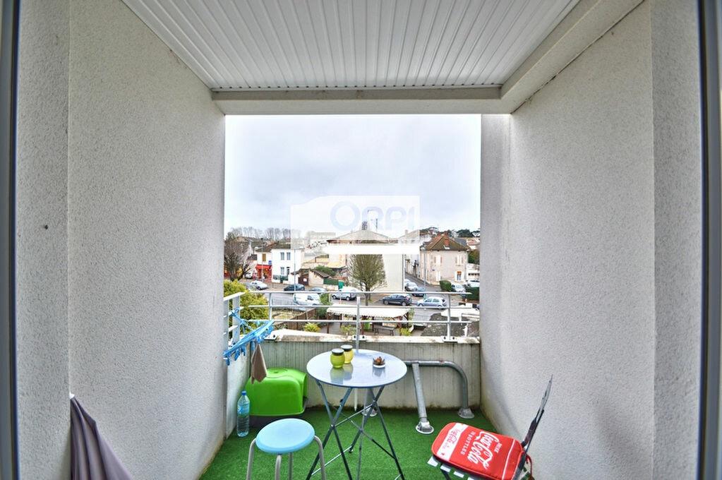 Appartement à louer 1 32m2 à Agen vignette-2