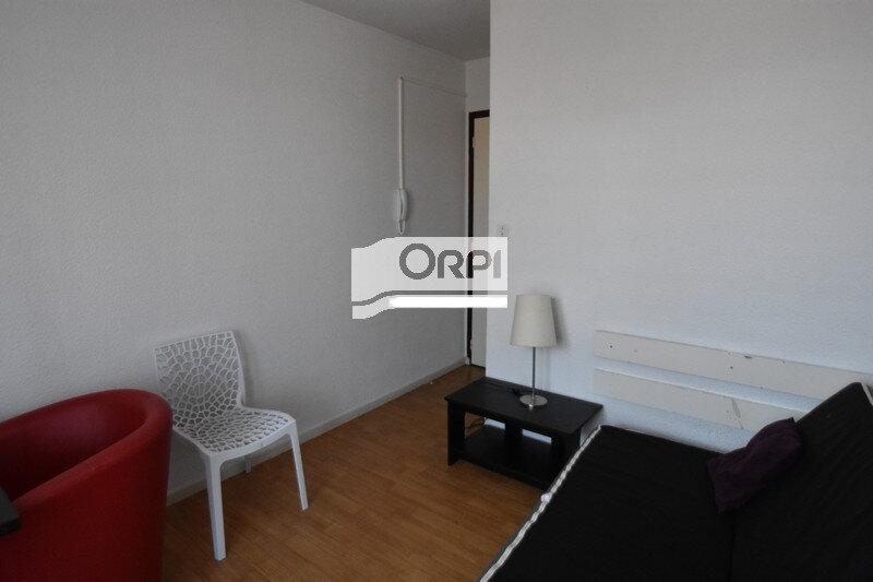 Appartement à louer 1 16m2 à Agen vignette-4