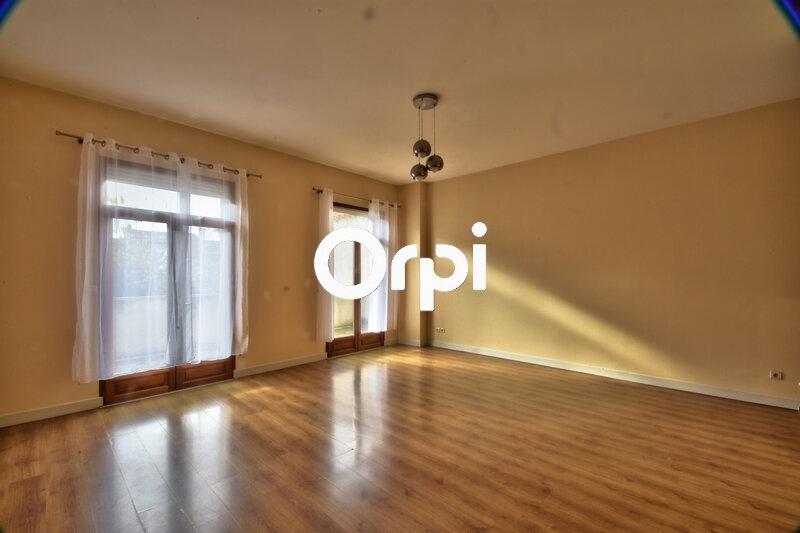 Appartement à louer 5 131.05m2 à Agen vignette-1