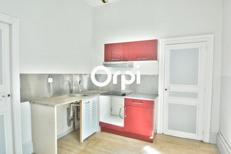Appartement à louer 3 84m2 à Agen vignette-2