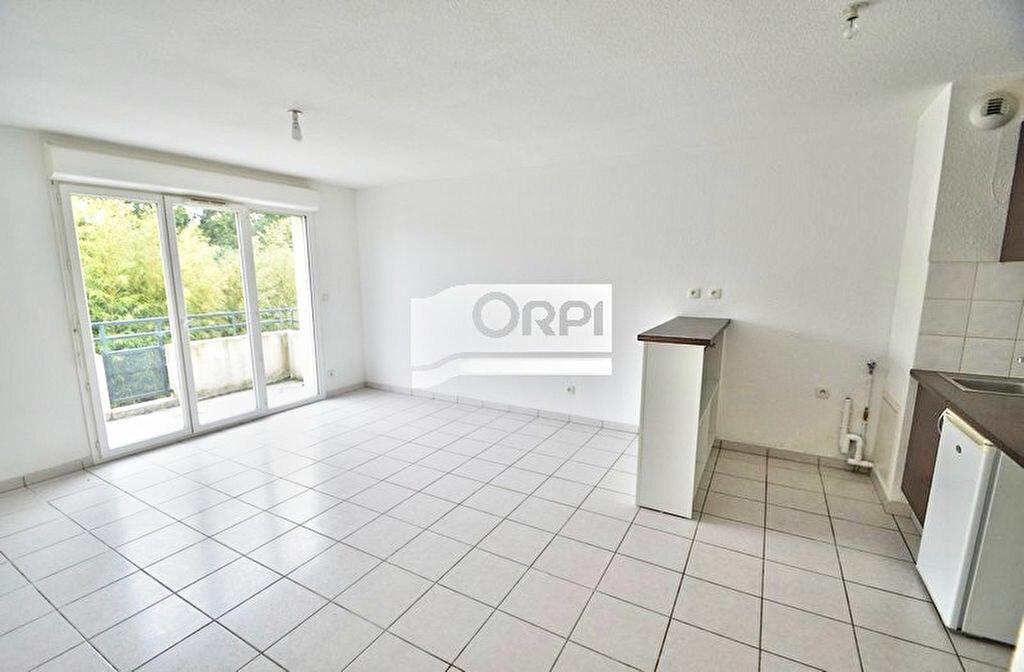 Appartement à louer 2 42m2 à Estillac vignette-1