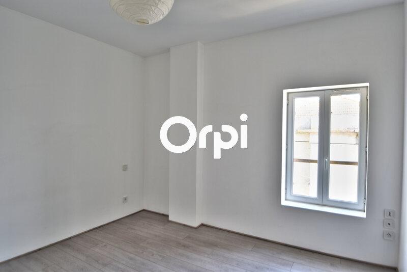 Appartement à louer 4 69.17m2 à Agen vignette-3