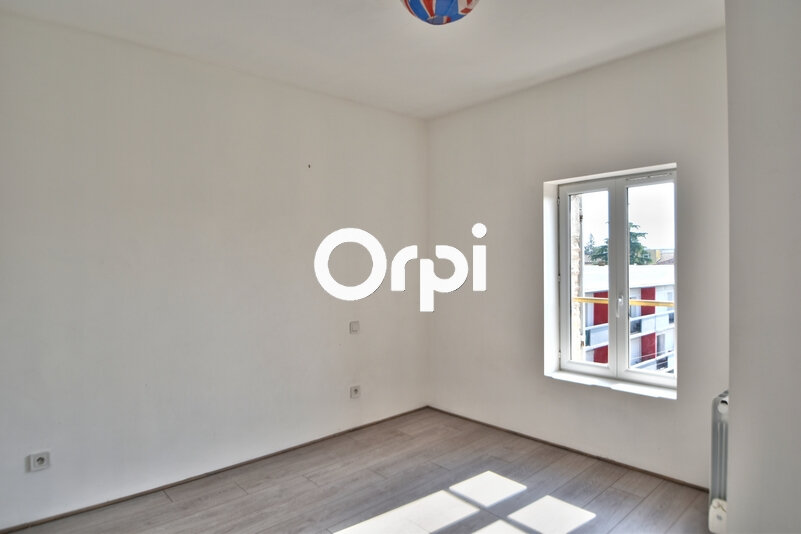 Appartement à louer 4 69.17m2 à Agen vignette-4