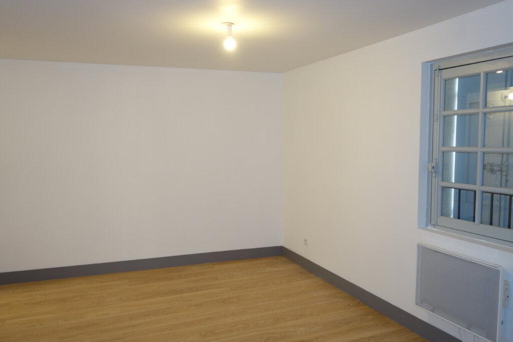 Appartement à louer 3 84.04m2 à Pézenas vignette-6