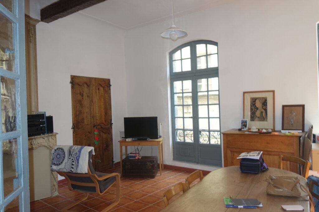 Appartement à louer 3 98m2 à Pézenas vignette-1