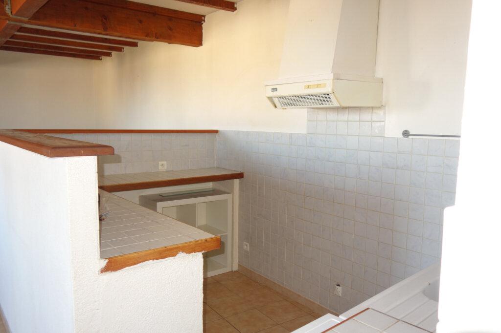 Appartement à louer 2 60m2 à Pézenas vignette-4