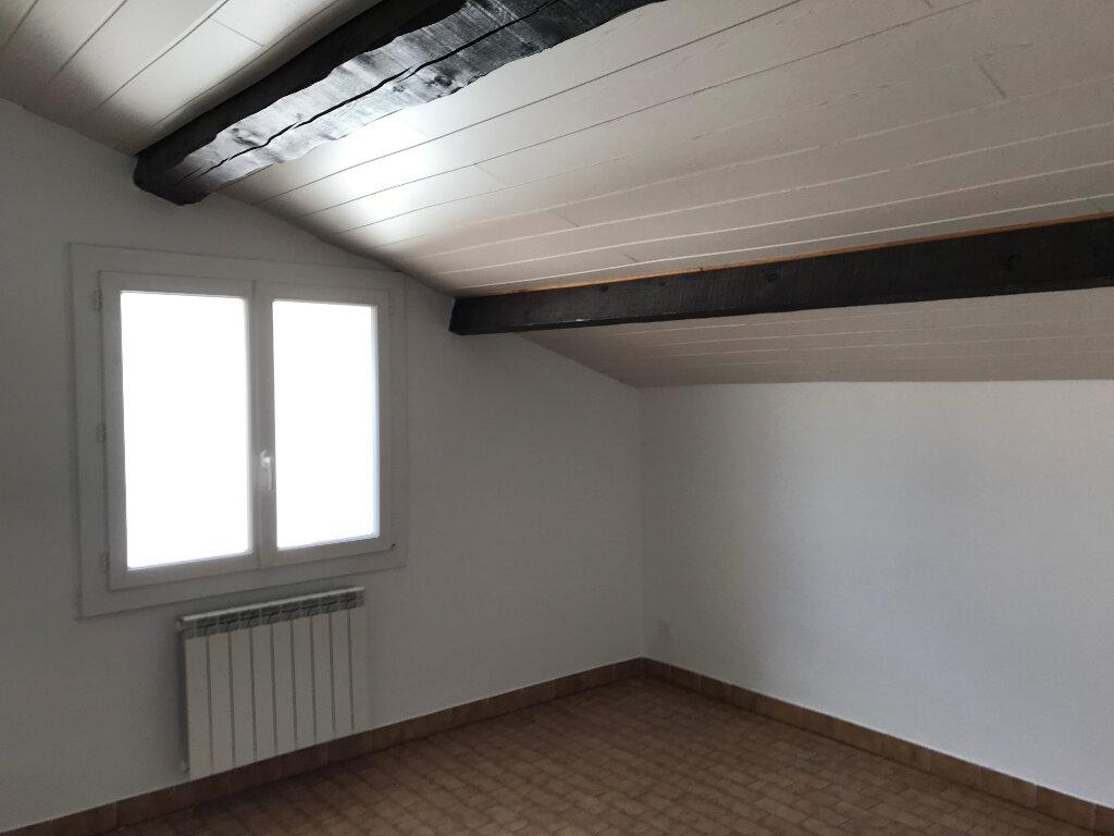 Appartement à louer 5 121.89m2 à Pézenas vignette-9