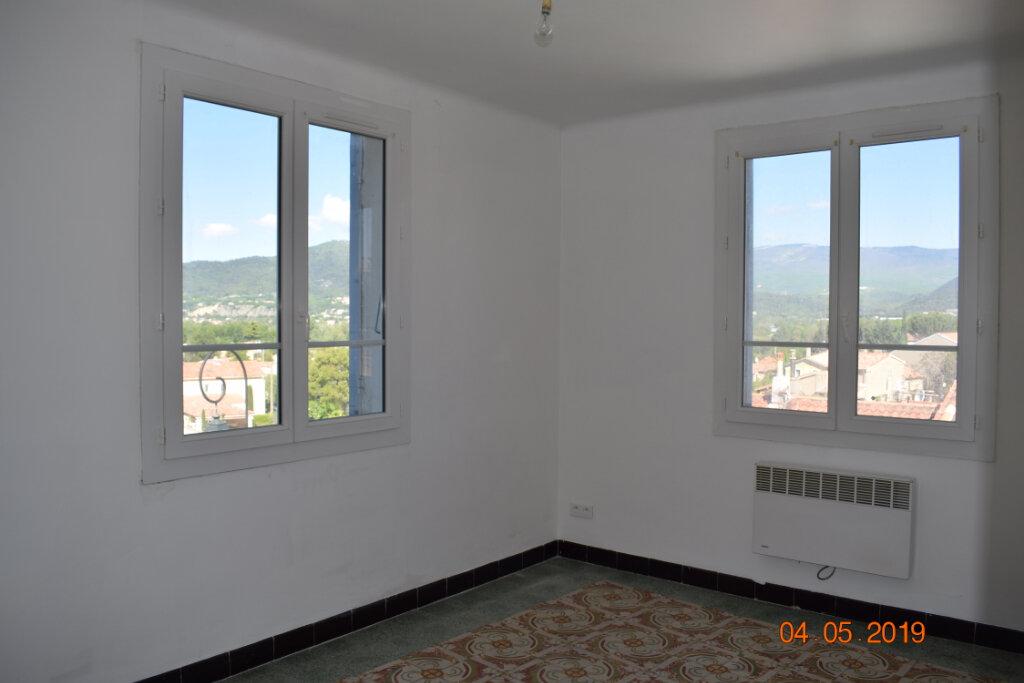 Appartement à louer 4 68m2 à Les Mées vignette-1