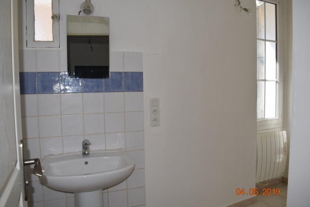 Appartement à louer 4 68m2 à Les Mées vignette-4