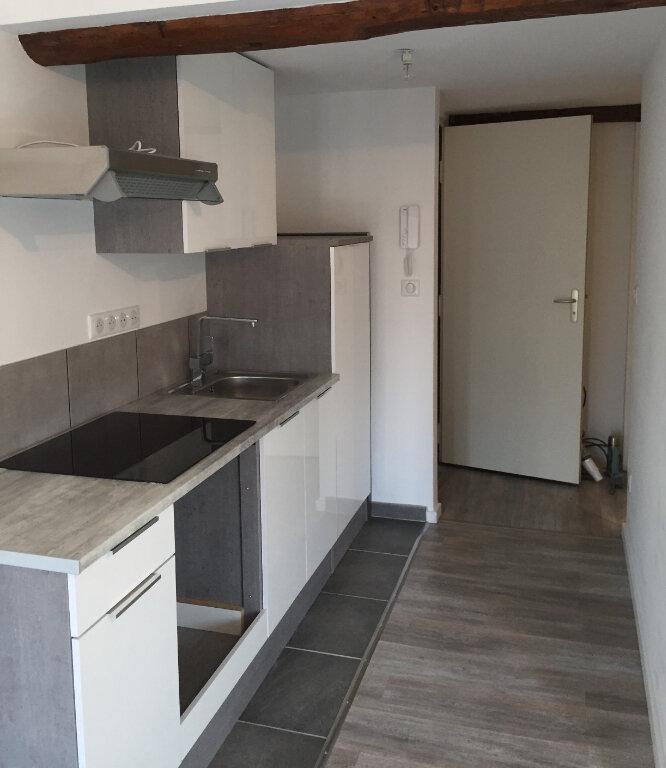 Appartement à louer 2 35m2 à Les Mées vignette-1