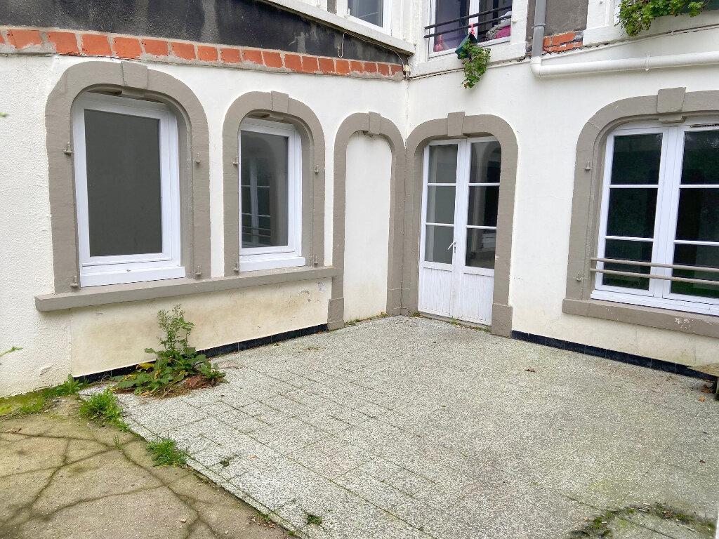 Appartement à louer 3 70m2 à Boulogne-sur-Mer vignette-1