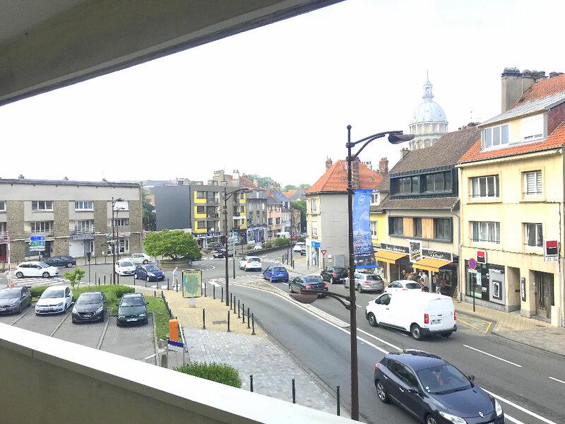 Appartement à vendre 1 25m2 à Boulogne-sur-Mer vignette-1