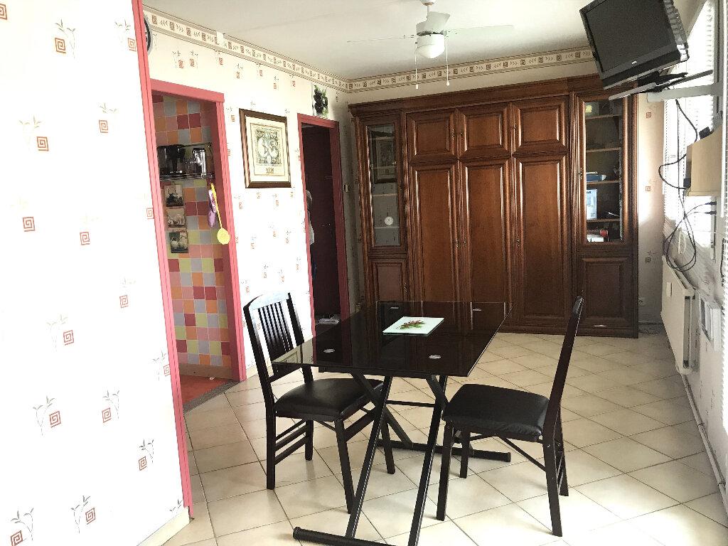 Appartement à vendre 1 25m2 à Boulogne-sur-Mer vignette-4