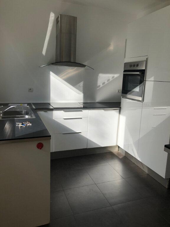 Appartement à louer 4 96m2 à Boulogne-sur-Mer vignette-2
