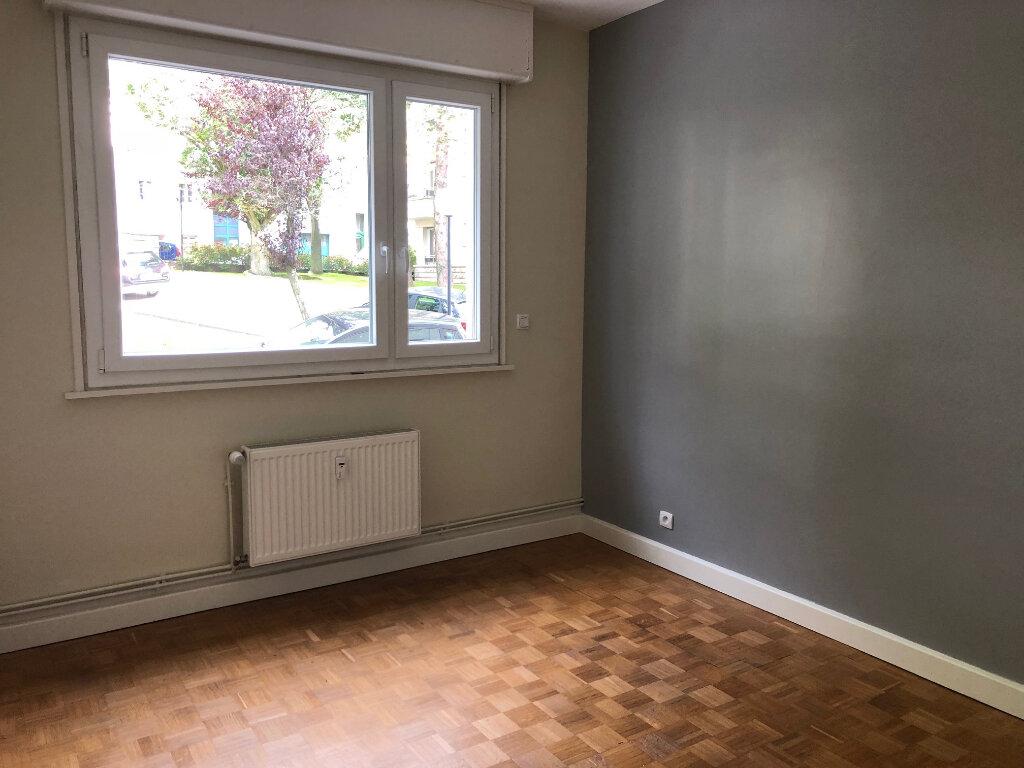 Appartement à louer 4 96m2 à Boulogne-sur-Mer vignette-3