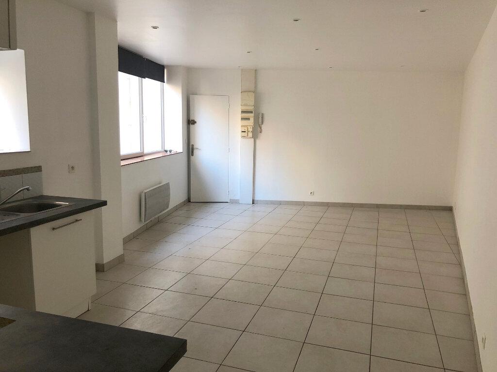 Appartement à louer 2 45m2 à Boulogne-sur-Mer vignette-2