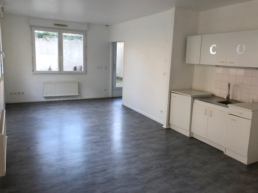 Appartement à louer 2 47m2 à Boulogne-sur-Mer vignette-2