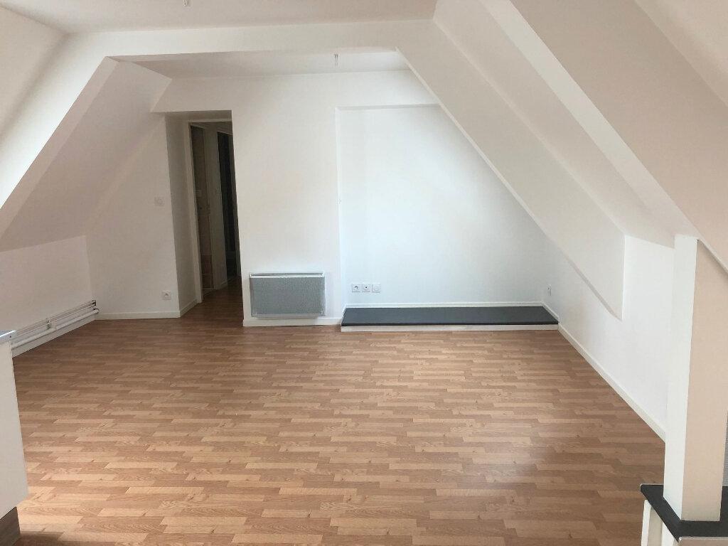 Appartement à louer 3 50m2 à Boulogne-sur-Mer vignette-2