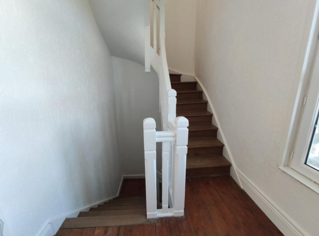 Maison à vendre 9 150m2 à Saint-Léonard vignette-4