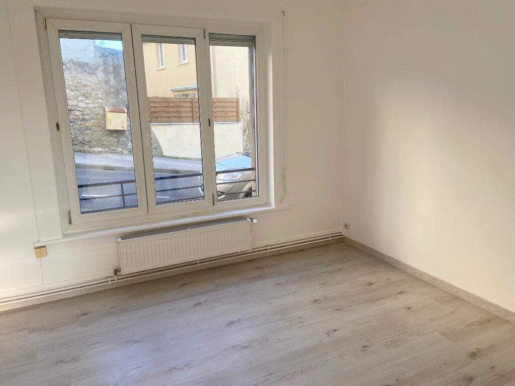 Appartement à louer 2 34m2 à Boulogne-sur-Mer vignette-1