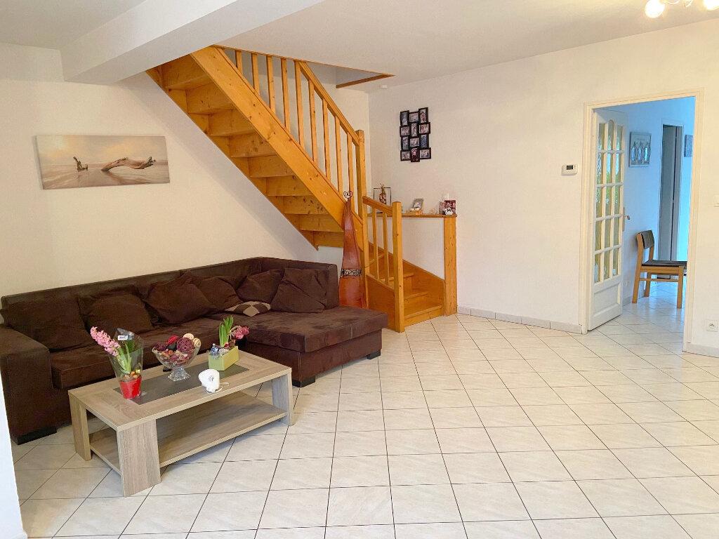 Maison à louer 4 121m2 à Wierre-Effroy vignette-1