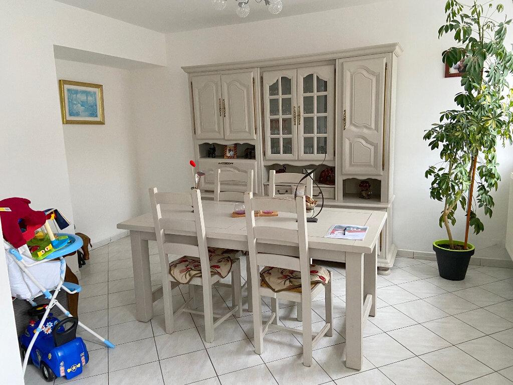 Maison à louer 4 121m2 à Wierre-Effroy vignette-3