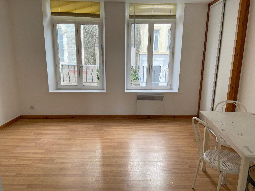 Appartement à louer 1 28m2 à Boulogne-sur-Mer vignette-1