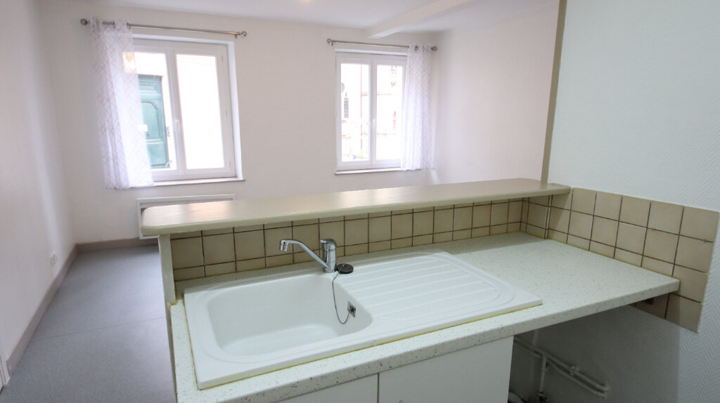 Appartement à louer 3 50.25m2 à Château-Thierry vignette-2