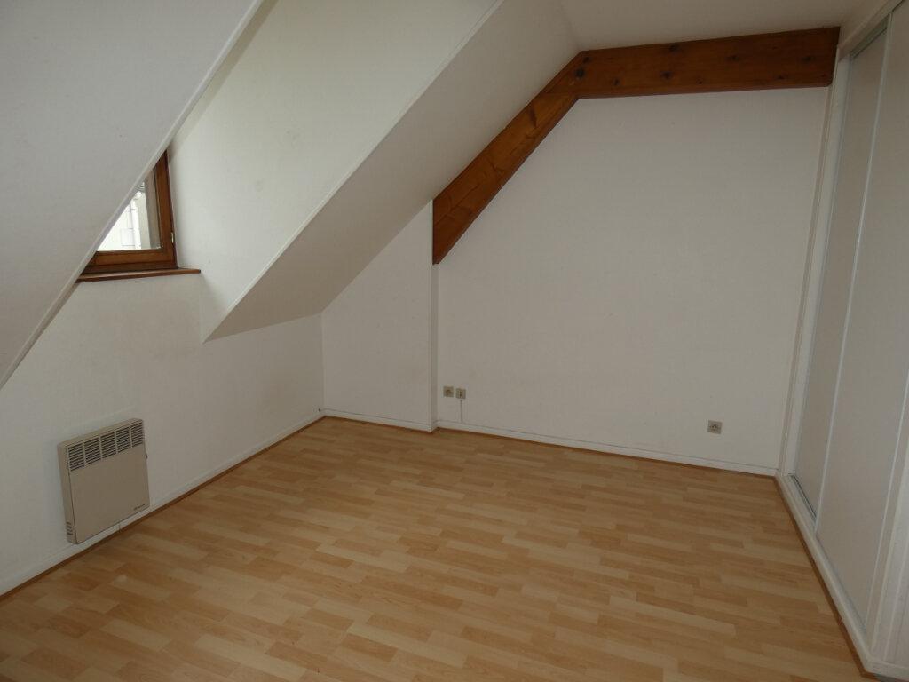 Appartement à louer 4 70.84m2 à Château-Thierry vignette-5