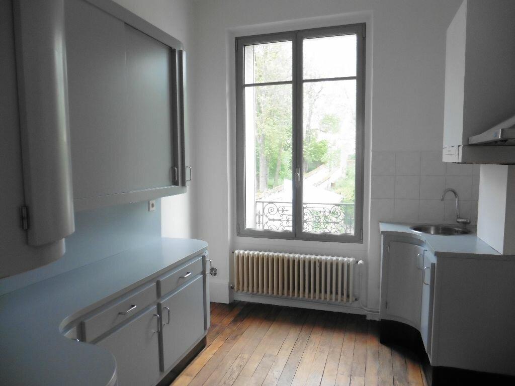 Appartement à louer 3 80.64m2 à Château-Thierry vignette-1