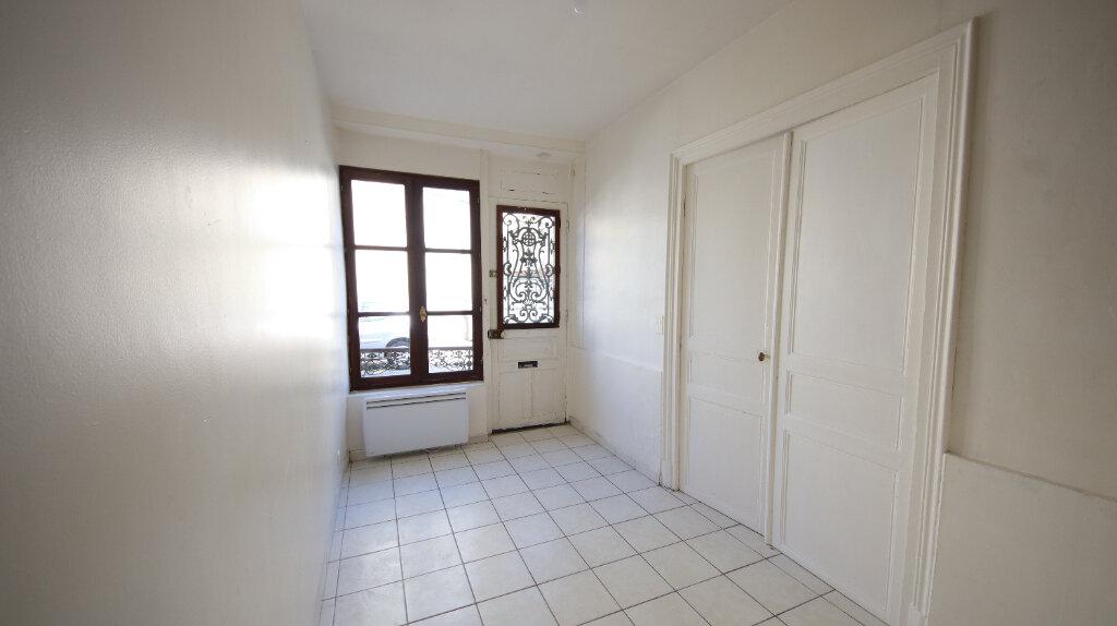 Appartement à louer 2 30.4m2 à Château-Thierry vignette-2