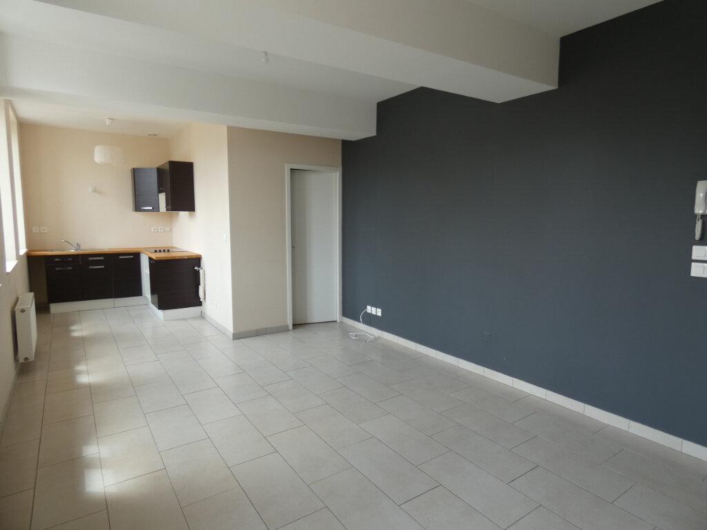 Appartement à louer 1 30m2 à Château-Thierry vignette-6
