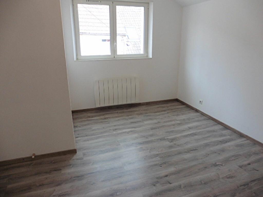 Maison à louer 3 74m2 à Crézancy vignette-4