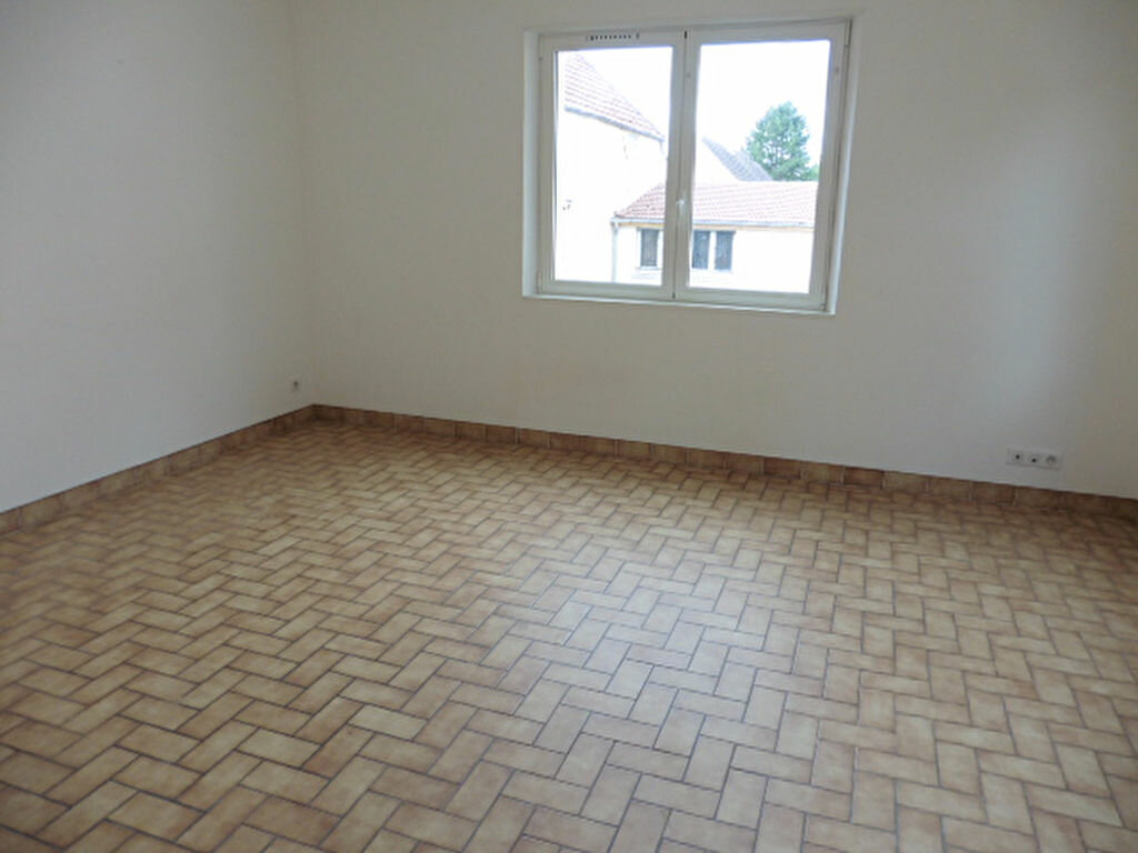 Maison à louer 3 74m2 à Crézancy vignette-5
