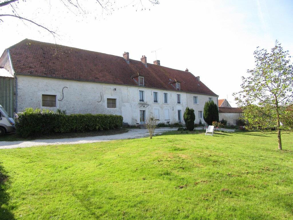 Maison à vendre 0 0m2 à La Celle-sous-Montmirail vignette-1