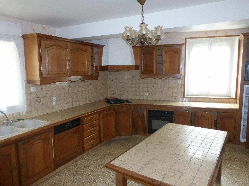 Maison à vendre 8 295.54m2 à Essômes-sur-Marne vignette-2