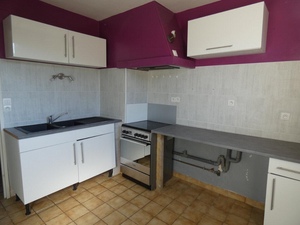 Appartement à louer 3 52.2m2 à Essômes-sur-Marne vignette-1