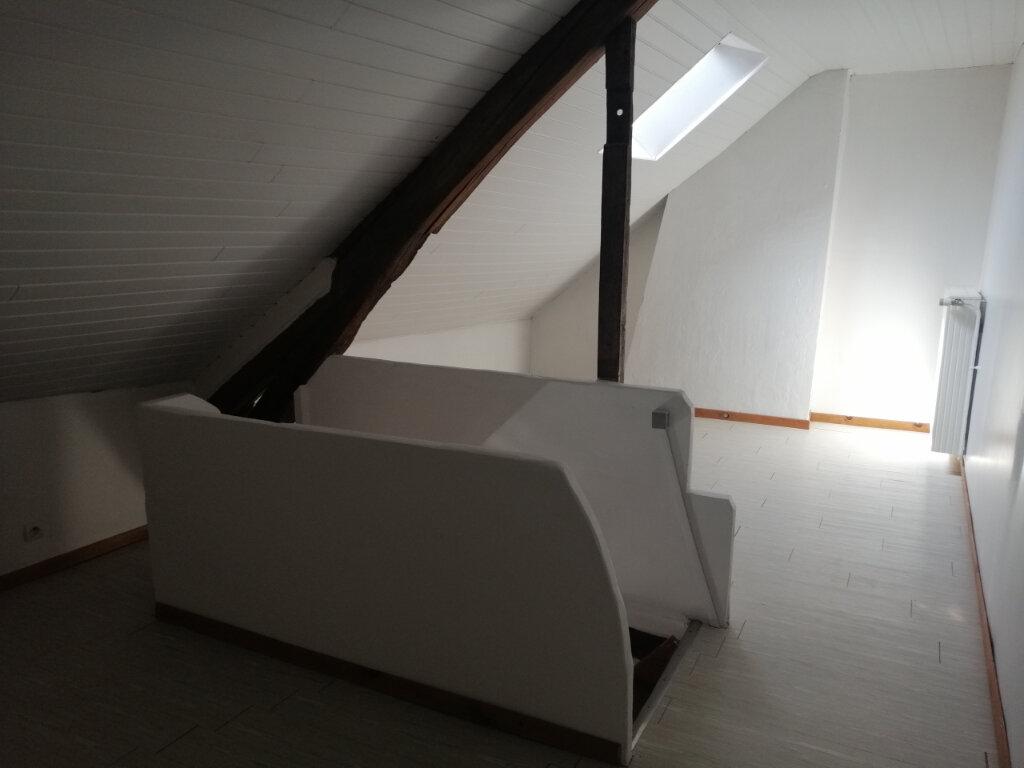 Appartement à louer 4 70.61m2 à Essômes-sur-Marne vignette-4