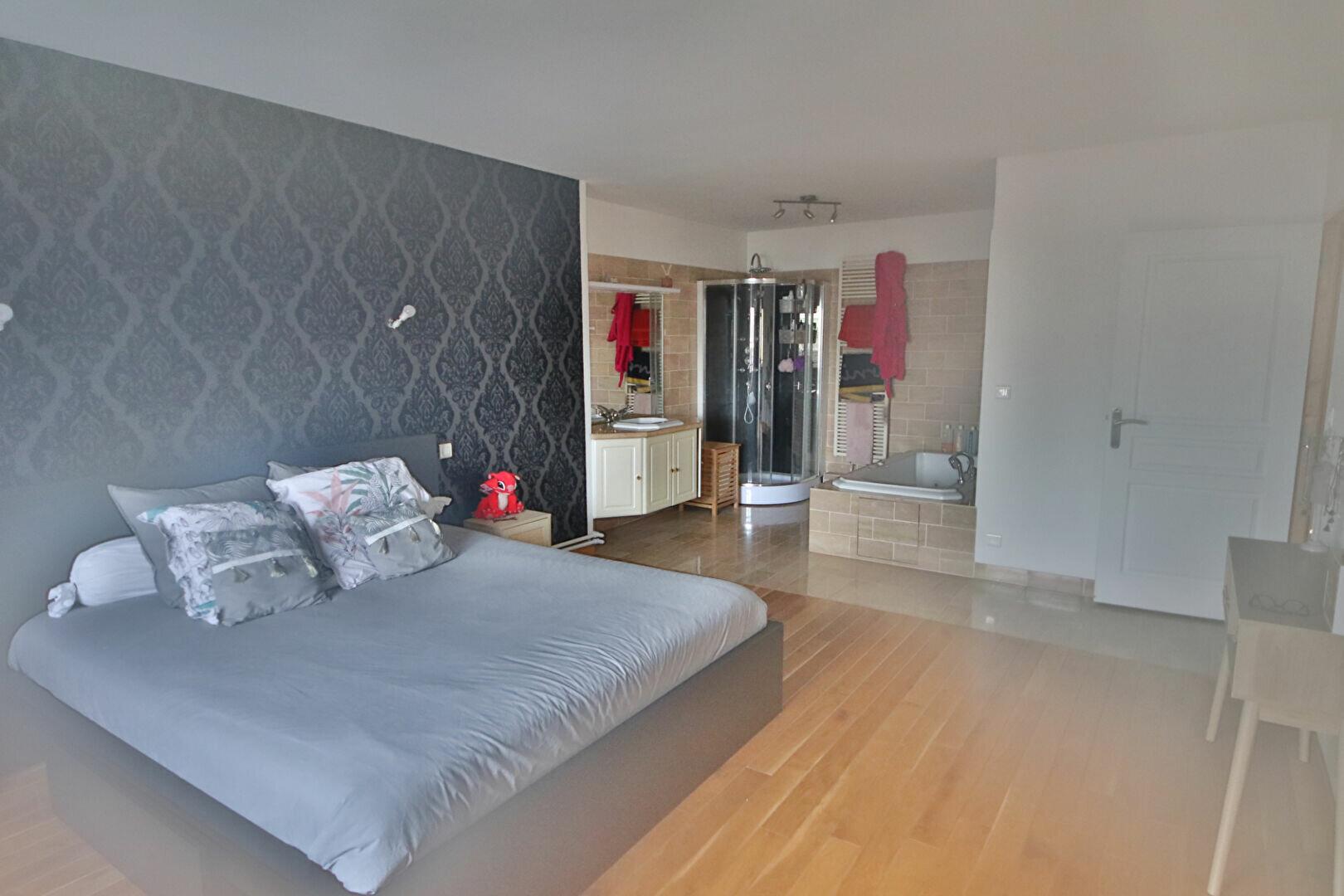 Appartement à vendre 4 115.43m2 à Château-Thierry vignette-6