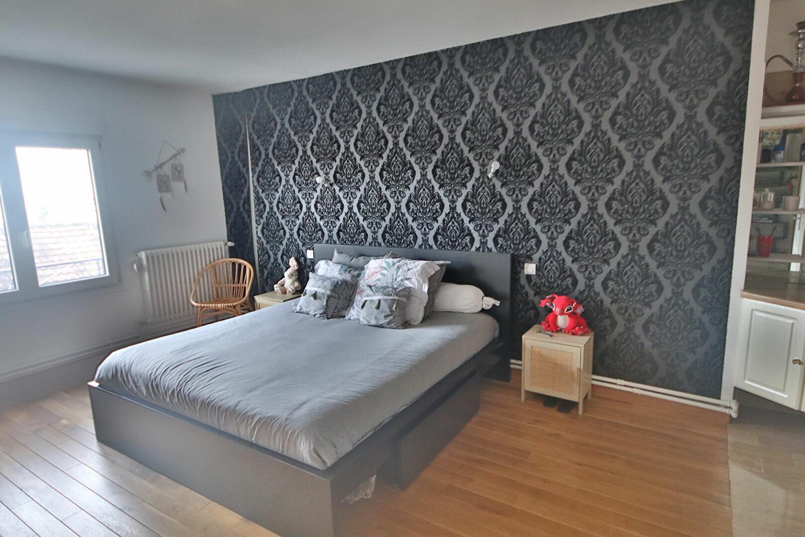 Appartement à vendre 4 115.43m2 à Château-Thierry vignette-8
